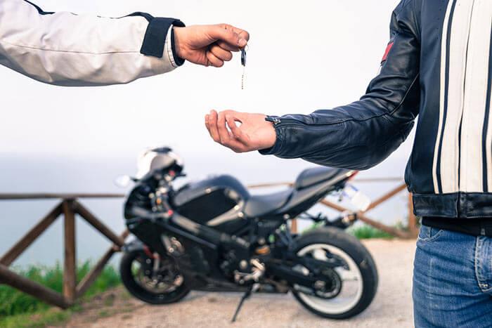 Comment Acheter une moto en Angleterre
