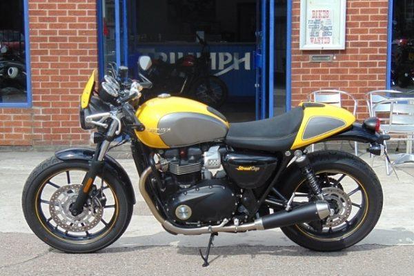 media 3 15 600x400 - Triumph STREET CUP 900cc