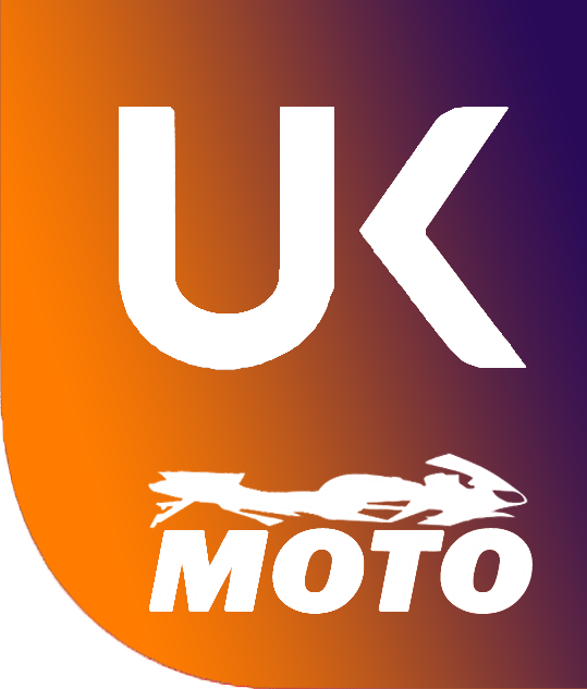 ukmoto newsletter - Le prince Charles avec une moto anglaise ancienne